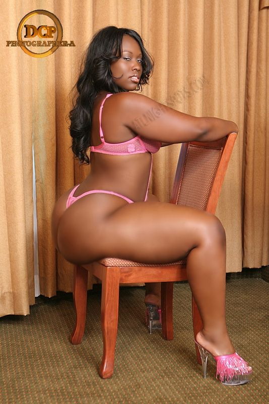naked thick women pics