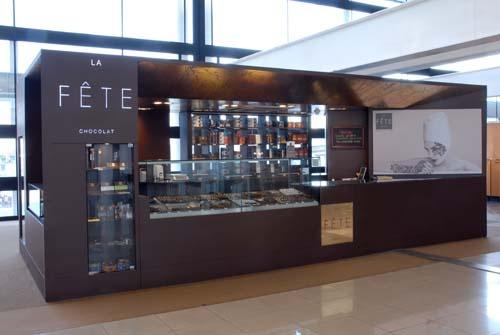 La Fête Chocolat Aeropuerto Nacional de Santiago.  Zona de Embarque Nacional
