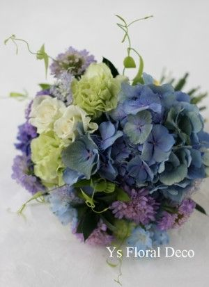 青いクラッチブーケ 秋の青 @お茶の水WINDS ys floral deco