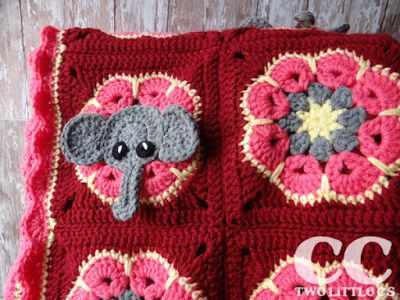 free pattern for the little elephant square! (the flower square is also linked right there!)