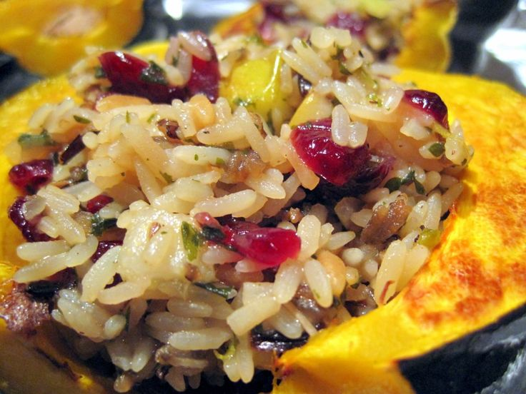 An alternative to stuffing/Thanksgiving side dish: Side Dishes, Recipe, Vegetarian Pears Cranberries, Little Bites, Wild Rice, Goats Chee, Pears Cranberries Wild, Rice Stuffed, Stuffed Acorn Squash