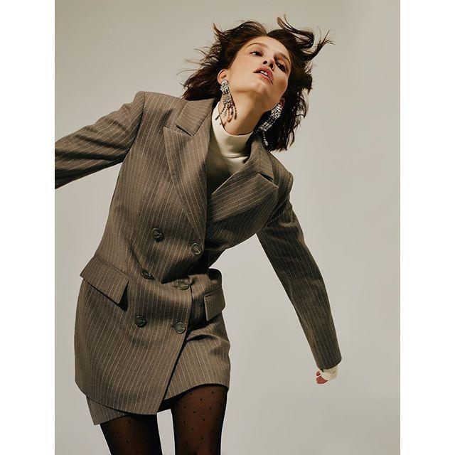 Двубортный пиджак и юбка из шерсти из коллекции #fw17/18 от Jana Segetti #janasegetti fashion #style #look #inspiration #wool #suit