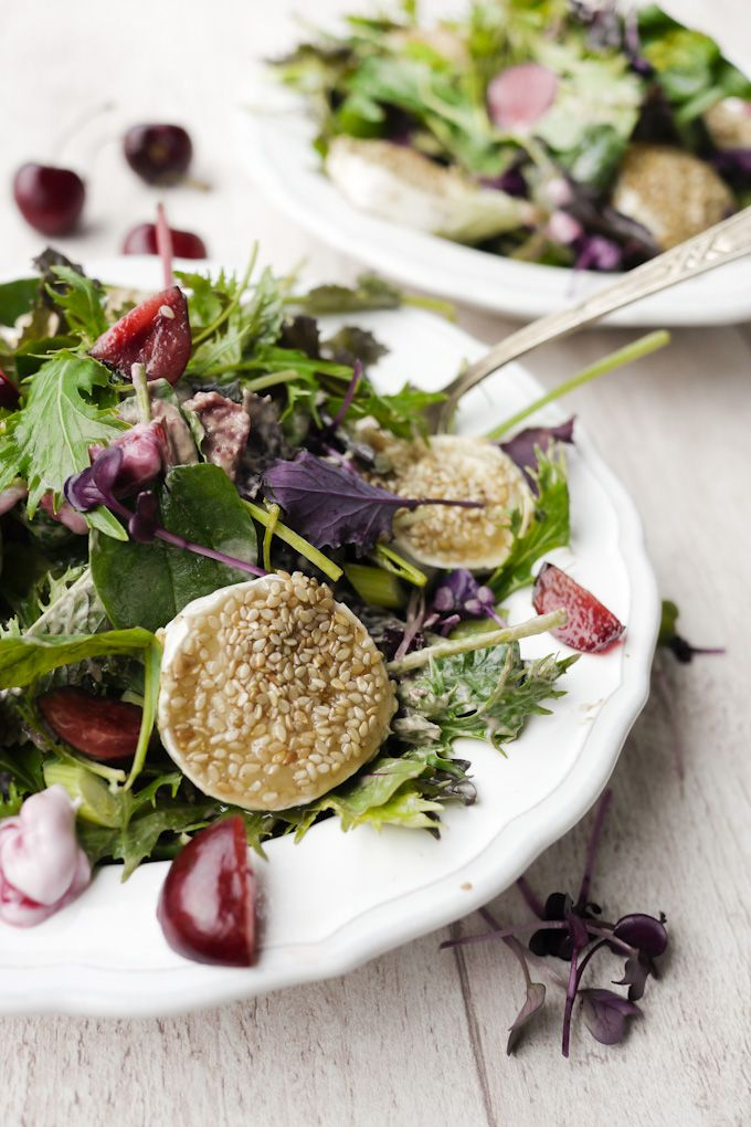 Salat mit Kirschen und Ziegenkäsetalern - Gaumenfreundin - Food & Family Blog