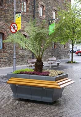 www.hartecast.co.uk/category/planters/ - Image of Hartecast's functional and durable planter box shown here with perch seating. Our planters help transform any urban area into a more contemporary and beautiful setting.