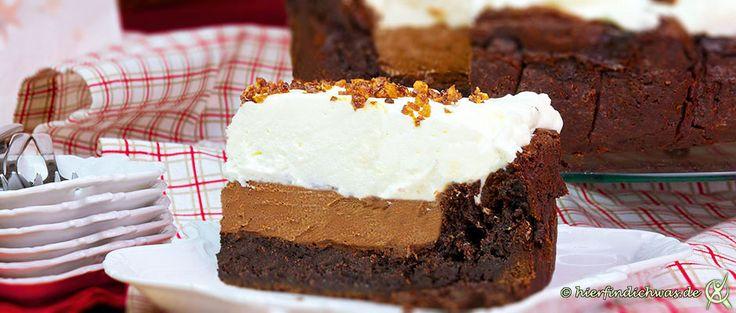 Ein Kuchen fuer Schokoholics, der Schokoladenkuchen, Leider-Geil-Kuchen, Abwandlung des Mississippi-Mud-Pie, 3 verschiedene Schokoschichten, darauf Sahne
