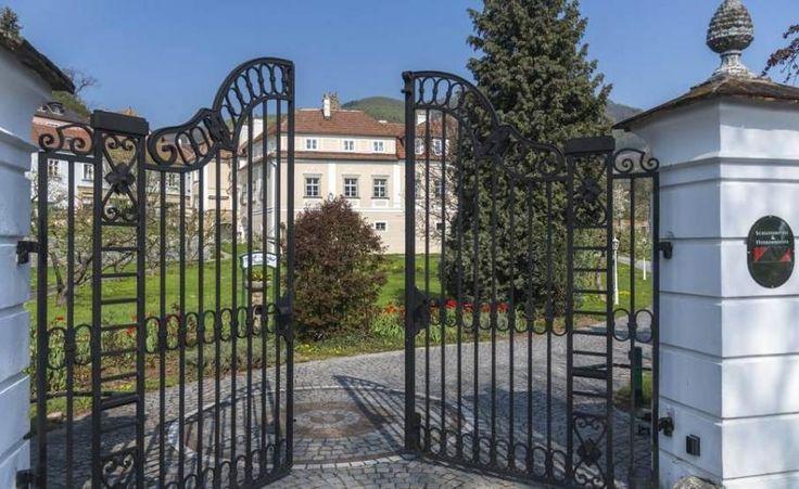 Schlosshotels & Herrenhäuser - Barock-Landhof Burkhardt, a Country house, Mansion property, located in Lower Austria, Austria  http://www.historichotelsofeurope.com/property-details.html/barocklandhof-burkhardt