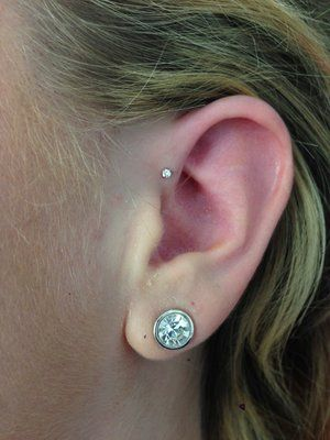 Forward helix piercing