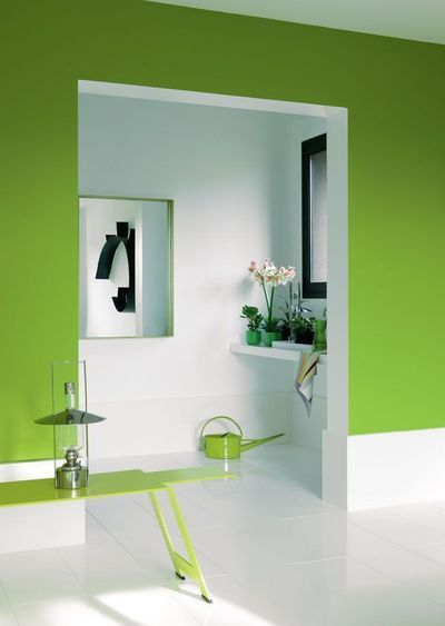 How about this great green to color your wall for the - Couleur mur couloir ...