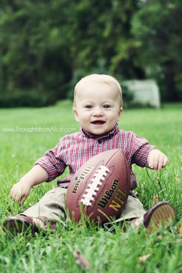 Thoughts from Alice: Owen's First Birthday: A Football Party {a look back} - one year old football photo session