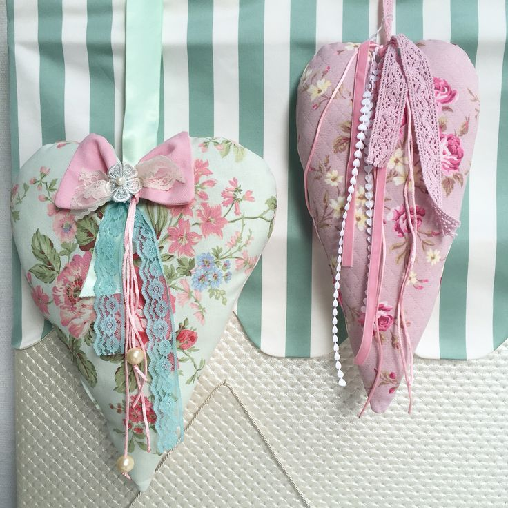 FOLLOW US : http://m.me/alice.aprons #handmade #handstitched #quilted #textile #heart #flowers #ribbon #bow #pinkandmint #turquoise #giftideas #pendant #decorativepillows #decorative #cushions #designideas #madewithlove 💕
