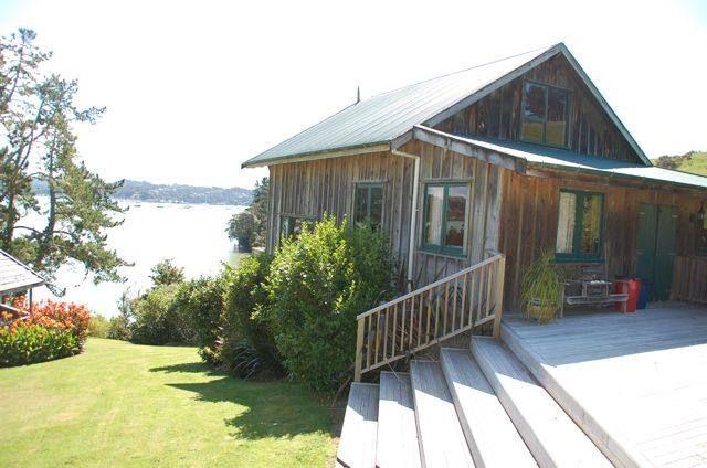 "Moojebing Park Estate ''Barn Lodge"""