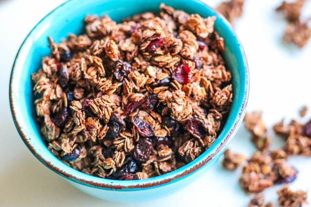 Cherry + Nutella Granola: Tarts Cherries, Fun Recipes, Cherries Nutella, Crunchi Granola, Nutella Granola, Rich Dark, Chocolate Cherry, Chocolates Cherries, Dark Chocolates Chips