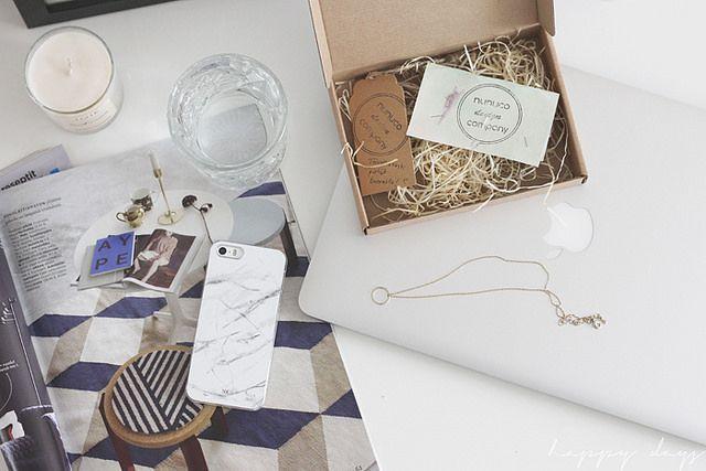 Happy days / Nunuco Design Company iPhone case