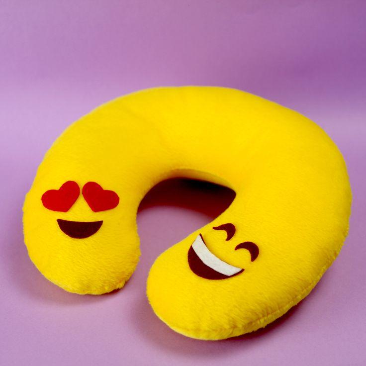 Aprenda com Dany Matinez a fazer uma almofada para pescoço com o temo Emoji