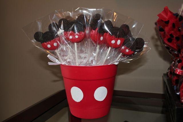 Mickey Oreos at a Mickey Mouse Party #mickeymouse #oreos