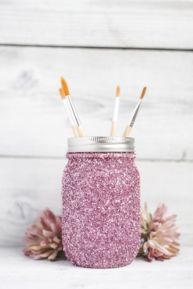 Cute DIY Mason Jar Ideas - DIY Glitter Mason Jar Tutorial - Fun Crafts, Creative Room Decor, Homemade Gifts, Creative Home Decor Projects and DIY Mason Jar Lights - Cool Crafts for Teens and Tween Girls http://diyprojectsforteens.com/cute-diy-mason-jar-crafts