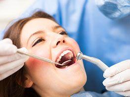 La chirurgia orale è un ramo della medicina dentale che si occupa delle operazioni chirurgiche dei tessuti molli e duri del cavo orale. Tutte le operazioni della chirurgia orale vengono eseguite con una anestesia locale secondo i più alti standard per rendere l'operazione il più confortevole possibile per il paziente. http://turismo-dentale-nevedenti.com/chirurgia-dentale-croazia.html