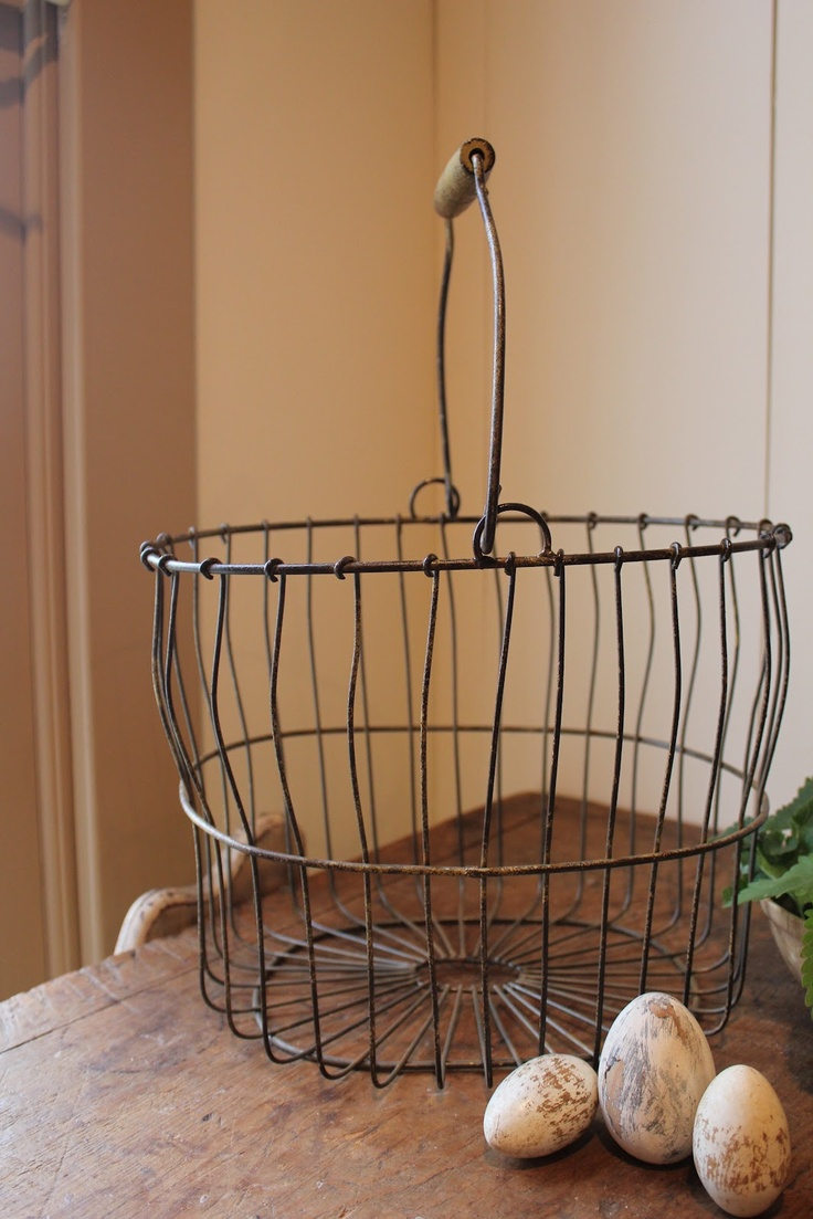 I love the wire basket~~. Me to , I have some i just love.