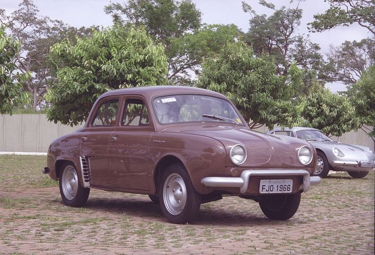 Renault Teimoso (based on Renault Dauphine)