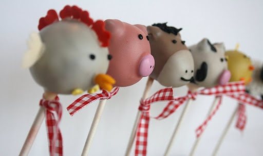 More farm cake pops... These are so cute--love the horse ones