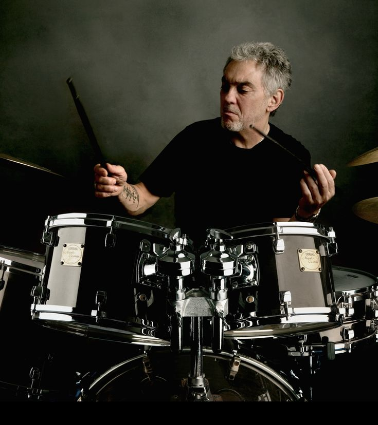 There's drummers who groove, and there's Steve Gadd.