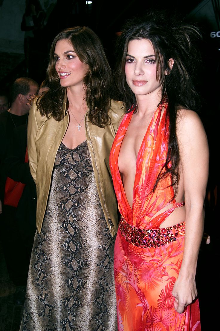 Cindy Crawford and Sandra Bullock backstage at the ' 1999 VH1/Vogue Fashion…