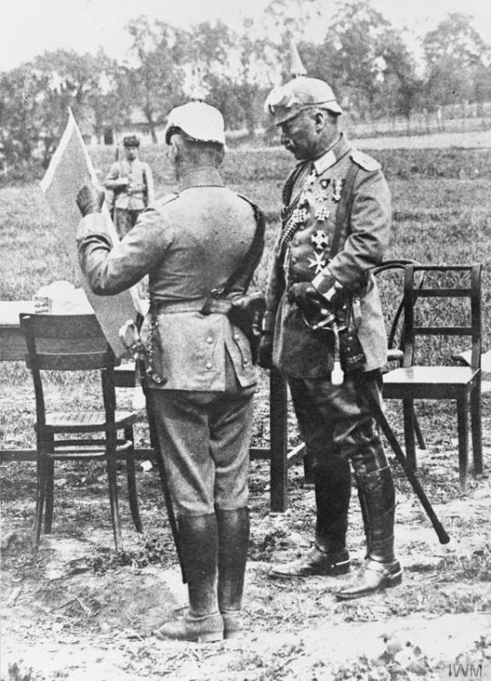 Kaiser Wilhelm and an officer study a map during the Gorlice-Tarnow Offensive.