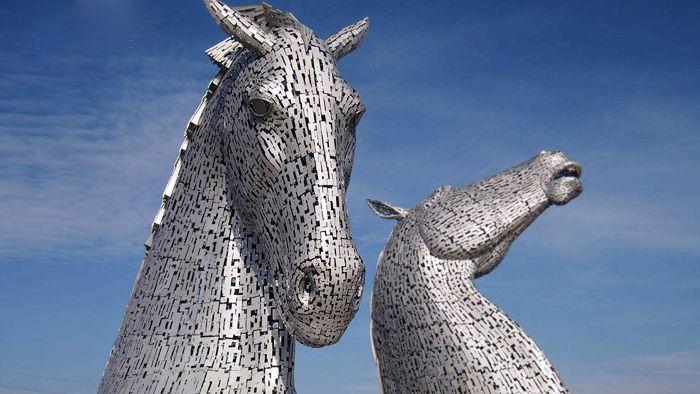 Glasgow postavilo gigantické sochy hlav koní The Kelpies