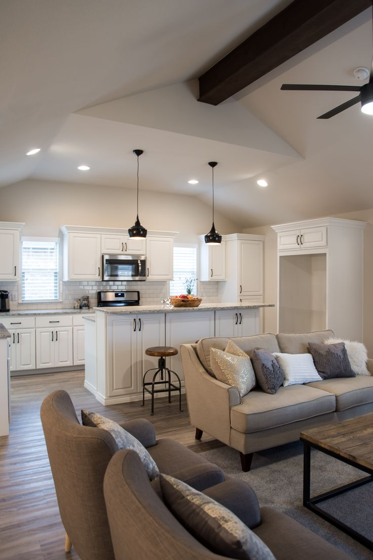 light and bright kitchen white cabinets and subway tile ventura homes in lubbock - Ubahnaufkantung Grau