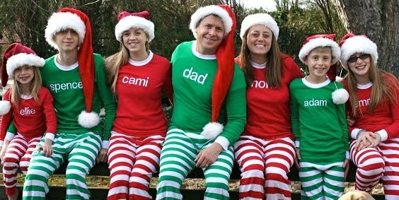 matching Christmas family pajamas like the ones PMall has!: Christmas Pictures, Photo Ideas, Family Christmas, Family Photos, Christmas Families, Families Photo, Christmas Pajamas, Families Christmas Photo, Christmas Pj