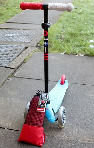 Review of ScooterSlingz bag on Mummy is a Gadget Geek #scooterhack #microscooter