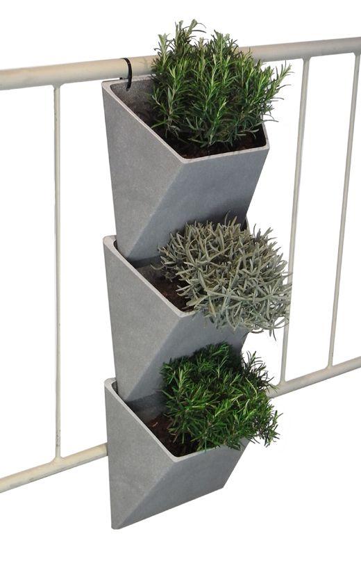 rephorm design f r den balkon design for the balcony. Black Bedroom Furniture Sets. Home Design Ideas