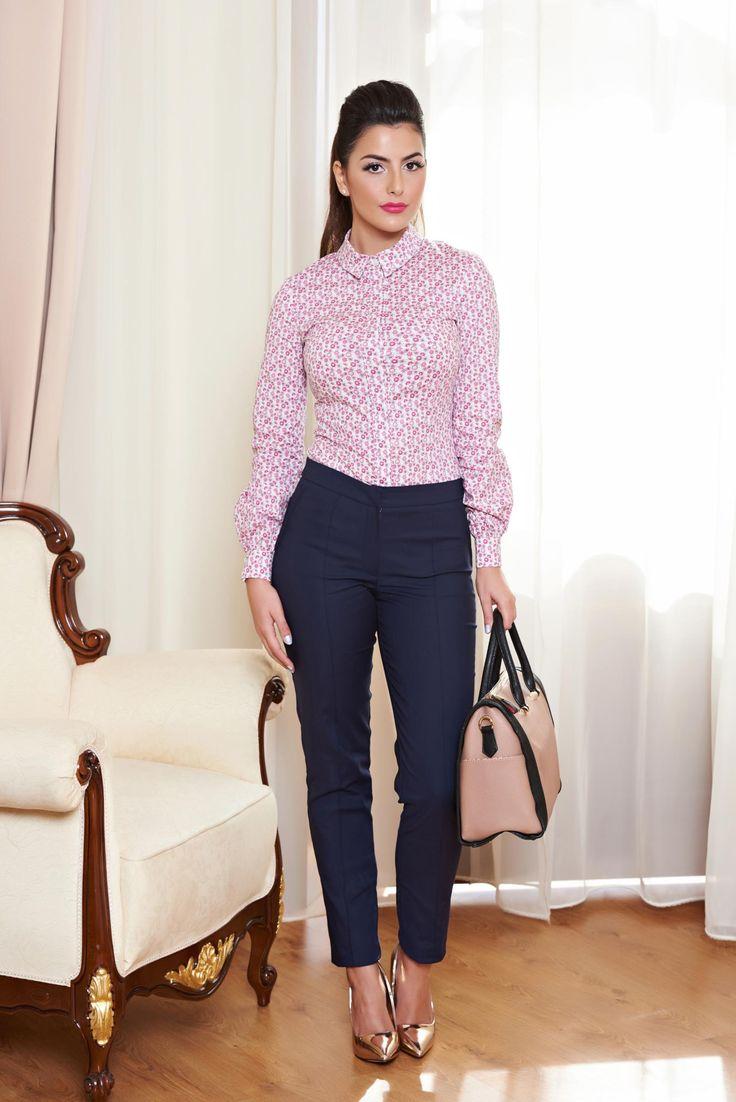 Pantaloni LaDonna Introspection DarkBlue. Pantaloni stil office, model tip pana, cu buzunare false la spate. Se inchid cu fermoar si capsa si sunt usor de asortat la o tinuta de zi.