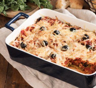 En seulement 20 minutes, préparez cette lasagne au rapini et saucisses la veille de votre réception et enfournez-la avant l'arrivée des invités.
