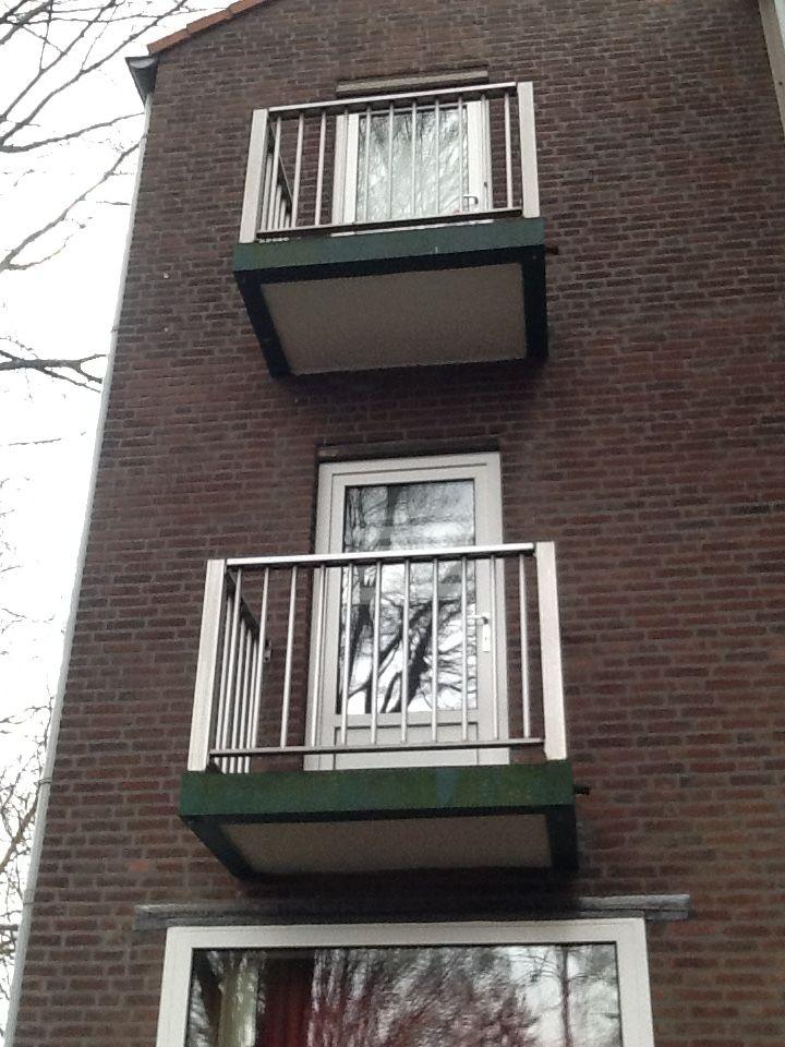 Afgekeurde balkons Oranjelaan