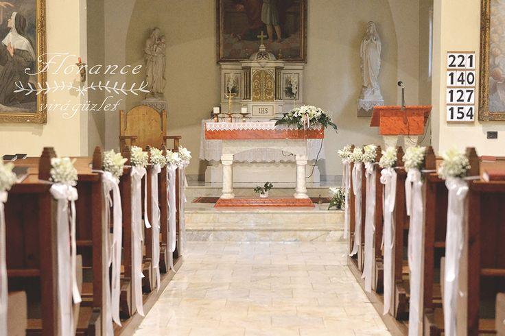 Egyedi esküvői dekorációk a templomba!  http://florancevirag.hu/eskuvoi-dekoracio/templom-diszites/