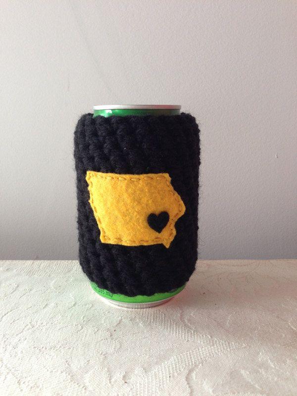 University of Iowa, Iowa Hawkeyes | Iowa City, Iowa Crochet Beer Coozie, Coffee Cup Cozy, Coffee Sleeve, Bottle Coozie by Maroozi by Maroozi on Etsy