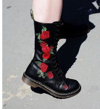 shoes black boots grunge roses style fashion alternative pretty punk rock black boots drmartens 90s style