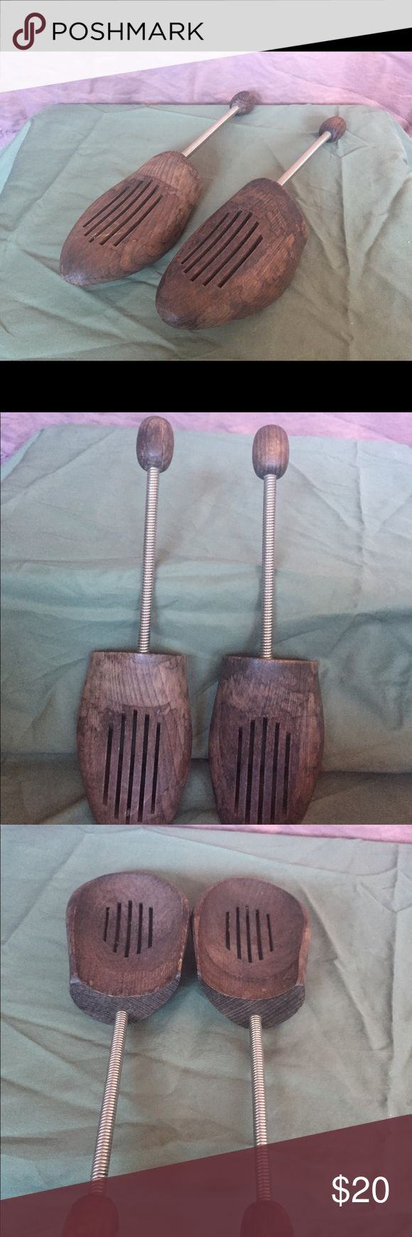 Antique wooden shoe stretchers size 13 men's Excellent condition  Wood shoe stretcher. Best size fits men's 13, but spring is flexible and can also fit size 11 & 12 Shoes