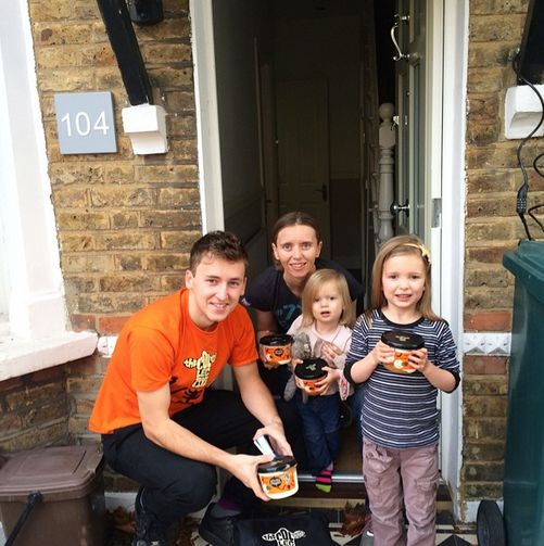 We've been treatin' the winner of our #treatmystreet competition this morning! Yoghurt's on the menu for breakfast for all Kirsty's neighbours!
