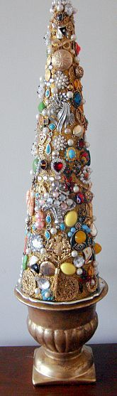 Family Jewelry Christmas Tree