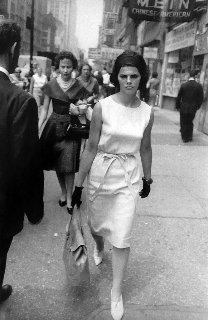 When street photographer Garry Winogrand passed away unexpectedly at 56 years old, he left behind approximately 250,000 images he'd never even seen. Description from pinterest.com. I searched for this on bing.com/images