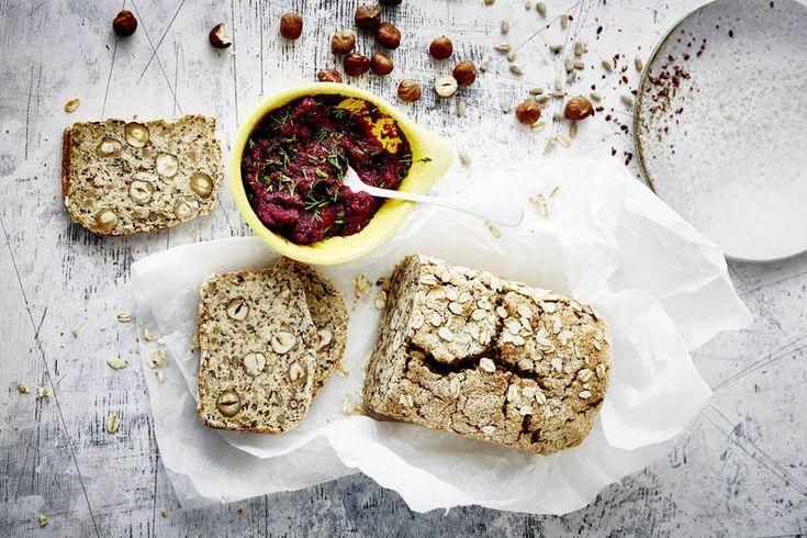 Das Rezept für Eiweißbrot mit Nüssen und Quark mit allen nötigen Zutaten und der einfachsten Zubereitung - gesund kochen mit FIT FOR FUN