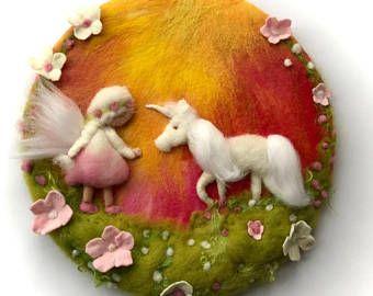 Fee en Unicorn.Wool schilderij, foto, wandtapijten, NAT vilten, naald vilten. Waldorf
