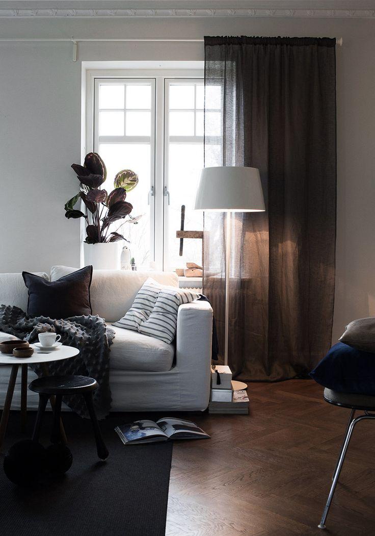 Livingroom | White sofa | Photo: Daniella Witte