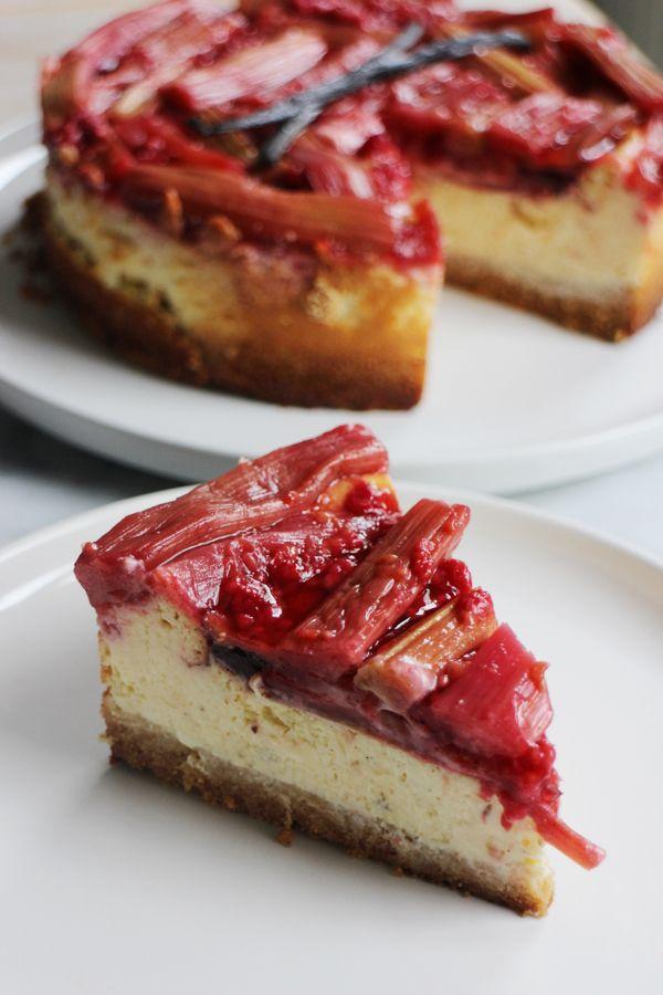 Rhubarb cheesecake with raspberries and vanilla