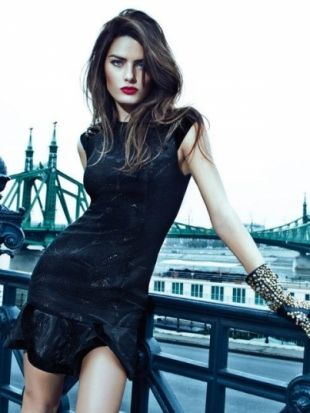 This is Isabeli Fontana Brazilian supermodel in front of the beautiful Liberty Bridge, Budapest