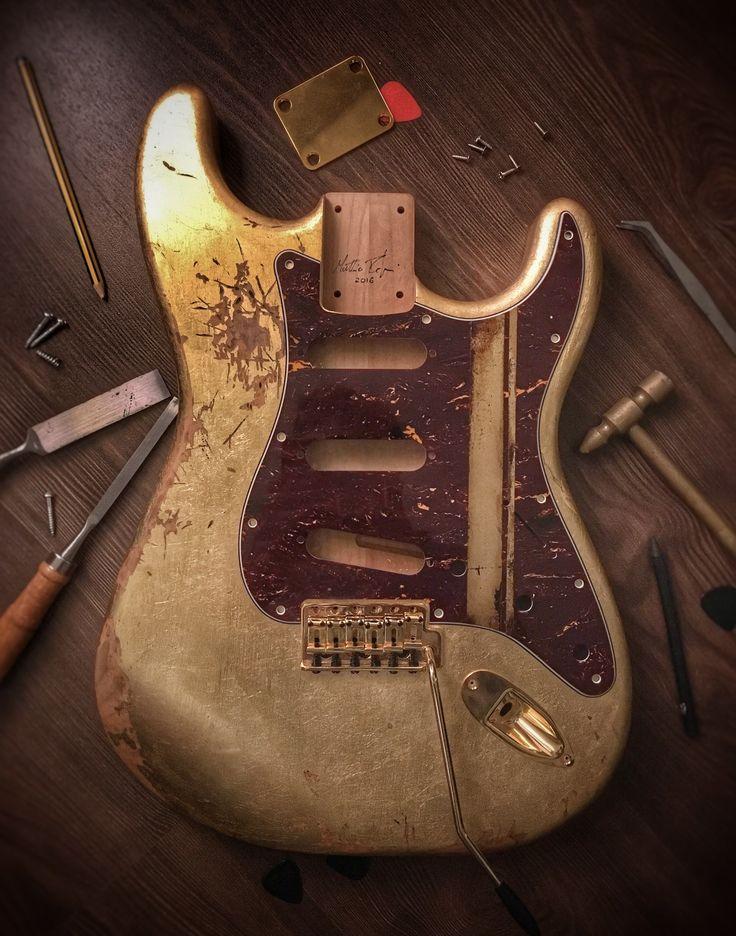 Shining relic guitar body model Mercury (Stratocaster style)!! #goldleaf #guitar #body #Stratocaster #relic