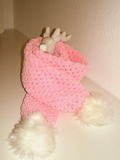 Superweicher rosa Schal mit Bommeln