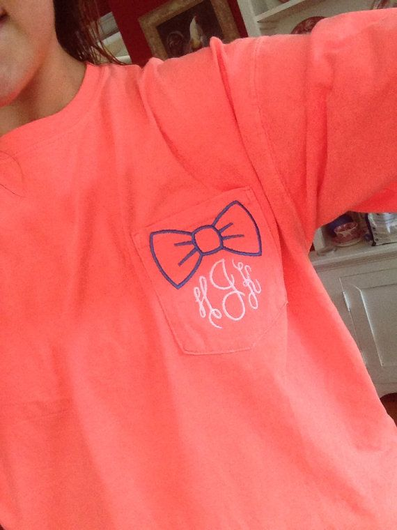 We are loving these adorable Monogram Bow Pocket Tees here at Southern Swerve Boutique! By choosing your shirt color, bow color and monogram